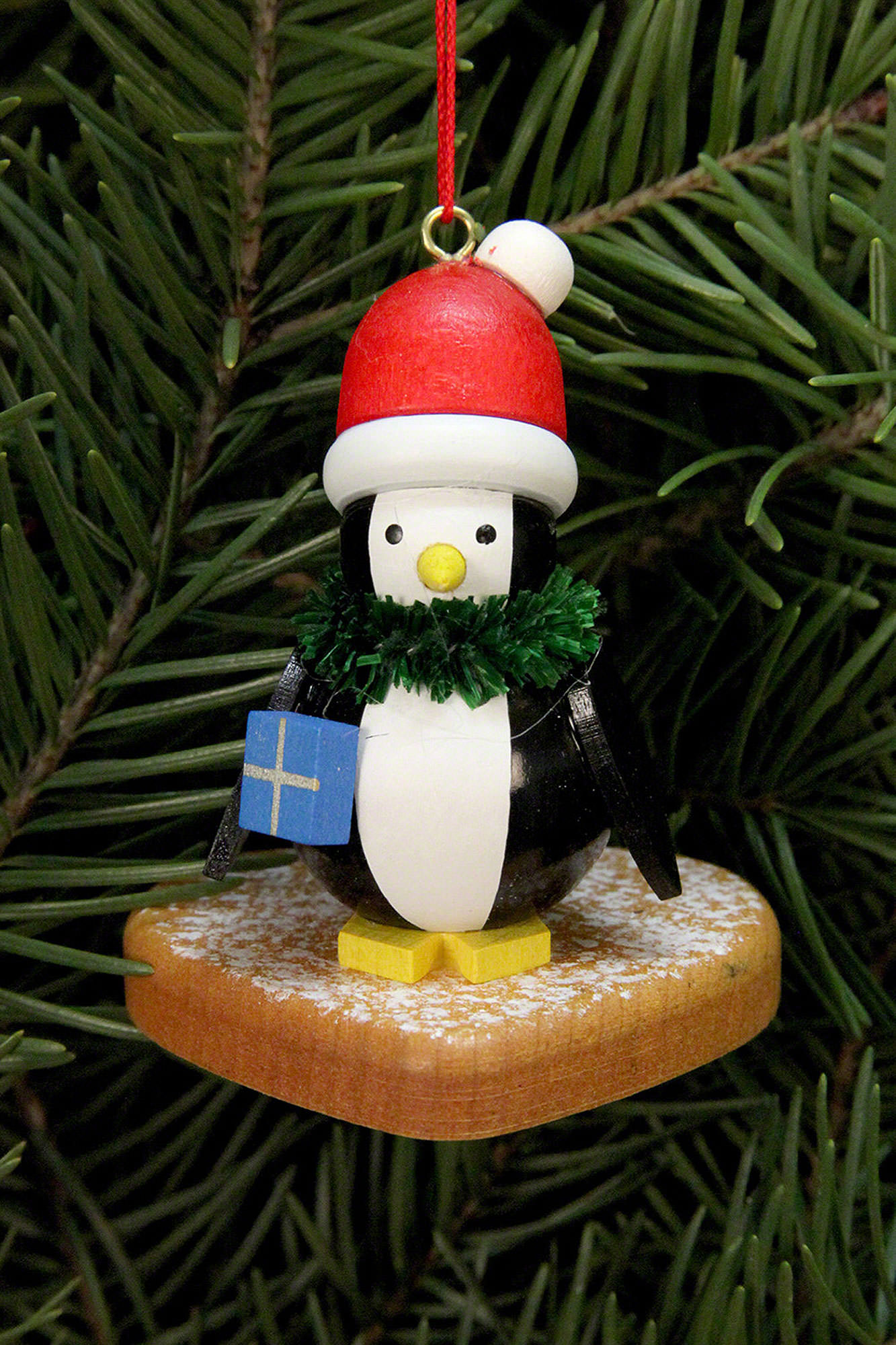 christbaumschmuck pinguin auf lebkuchenherz 5x6cm von. Black Bedroom Furniture Sets. Home Design Ideas