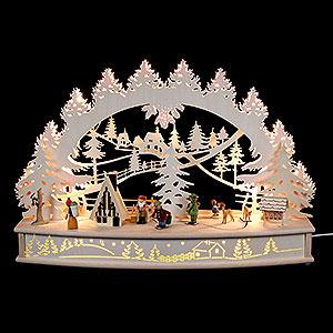 """Schwibbögen Laubsägearbeiten 3D Schwibbogen """"Waldlichtung"""" mit beweglichen Figuren und Räucherhaus - 68x46x17cm"""