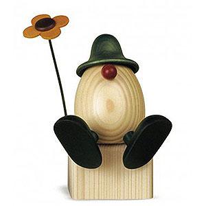 Kleine Figuren & Miniaturen Björn Köhler Eierköpfe groß Eierkopf Vater Anton  mit Blume auf Kante sitzend, grün - 15cm