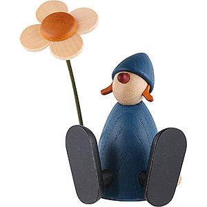 Kleine Figuren & Miniaturen Björn Köhler Gratulanten Gratulantin Lotta mit Blume sitzend, blau - 9 cm