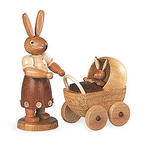 Kleine Figuren & Miniaturen Tiere Hasen Hasenmutter mit Kinderwagen - 11 cm