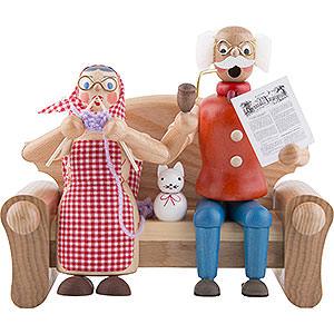 Räuchermänner Alle Räuchermänner Räuchermännchen Großeltern auf dem Sofa - 17 cm